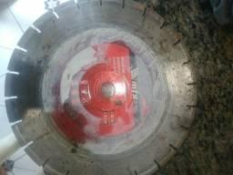 Vendo disco para cortadora de piso usado so uma vez esta zero