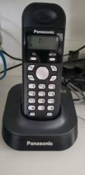 Telefone sem fio Panasonic KX-TG1381LB na caixa