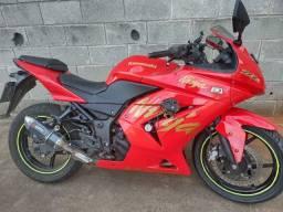 Título do anúncio: Moto kavasaki ninja 250