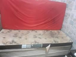 Cama box mais dois colchões de solteiro