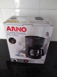 Cafeteira Arno semi nova