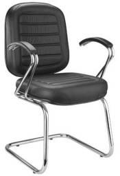 Cadeira confortável para atendimento em escolas