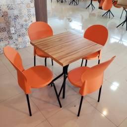 uma mesa mais 4 cadeiras resistentes para comercio , padaria empório