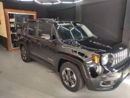 Jeep Renegade sport com teto panorâmico