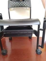 Título do anúncio: Cadeira de manicure ( minas gerais, Araguari)