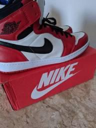 Nike Air Jordan 1 Retro High OG  Branco Vermelho e Preto
