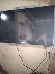 Vendo essa TV 43 polegadas. Obs.ela não é esmart