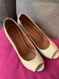 Sapato Peep Toe Loucos & Santos