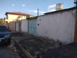 Casa residencial no Bairro Santa Clara cod 4486