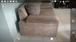 Vendo: mesa com 6 cadeiras R$ 200.00. sofá cama R$ 120.00. sofá 3 lugares R$ 350.00