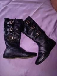 Botas , calça n 35
