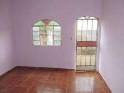 Casa Residencial para aluguel, 2 quartos, Itacolomi - Divinópolis/MG