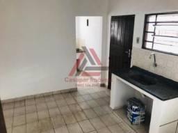 Casa térrea - quarto e cozinha - aceita deposito
