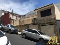 Casa com ótima localização próxima ao centro de Pouso Alegre!