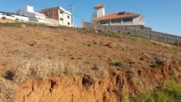 Excelente terreno no Pinheirinho!!
