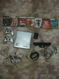 Xbox 360 edição especial HALO com 2 manetes, 7 jogos originais, desbloqueado e kinect comprar usado  Aperibé