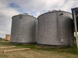 Tenho dois silos usados