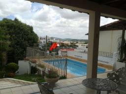 Casa de lote inteiro no bairro Vila Bretas