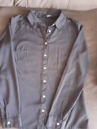 Camisas e blusinhas