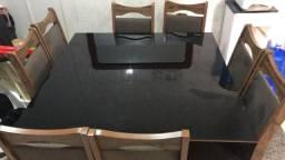 Vende-se mesa com 8 cadeiras