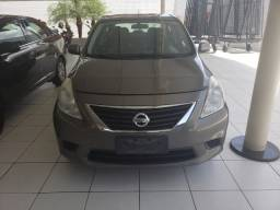 Nissan Versa 1.6 SV 2014