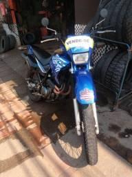 Título do anúncio: Vendo moto ano 2002/2002