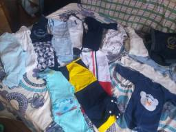 Lote de roupa de bebê menino