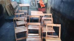 Vendo jogo de mesa com 4 cadeiras novas, mandei fazer à pronta entrega