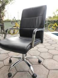 Cadeira executiva Presidente Couro
