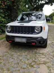 Jeep Renegade Trailhawk 2.0 diesel particular 4x 4 o top da categoria.