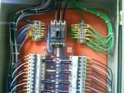 Eletricista troca de fiação pc de luz refrigeração