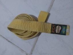 Título do anúncio: Faixa de Artes marciais amarela