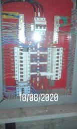 Eletricista de instalação e manutenção