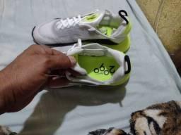 Tênis Nike 2090