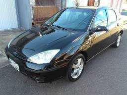 Ford Focus Hatch 1.6 8v Completo! Barbada! Repasse! Financia 100%