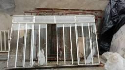 Janelas de ferro com vidro