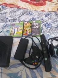 Xbox 360 com kinek