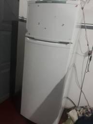 Título do anúncio: Vendo refrigerador Consul gelo seco