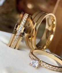 Alianças em ouro e joias