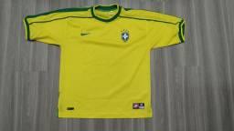 Uniformes usados Seleção Brasileira. Leia todo o anúncio.