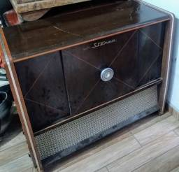 Radiola Vitrola Antiga Teleuniao Valvulada