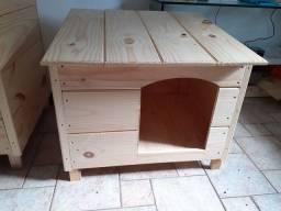 Casa Pet para Cães  em Pinus tábua  maciça.