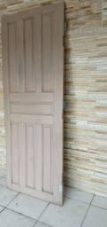 Porta de madeira 2,04 x 0,79