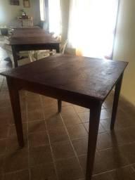 Título do anúncio: Mesa de madeira tamanho 1x1