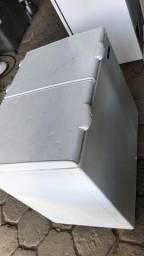 Freezer Horizontal 2 Tampas 300 Litros - Seminovo - Com garantia | Matheus