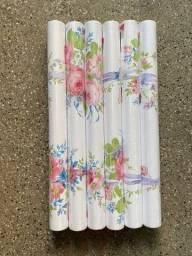 Título do anúncio: Lindo papel parede com fundo branco e flores