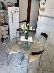 Mesa tampo vidro temperado impecável c/ lindas cadeiras