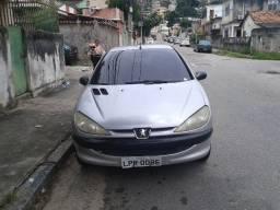 Peugeot 206 selection 1.0 16v 2004 Em peifeito estado.