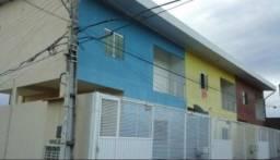 3 Lindas Casas Duplex (núcleo 24) C.N. 9 8 1 9 1 - 8 3 0 7