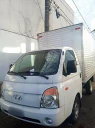 Título do anúncio: Caminhão Baú HR 2012